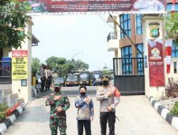 Sinergi Program Vaksinasi TNI-Polri Dandim 0501 dan Kapolres Metro Jakarta Pusat Raih Penghargaan Presisi Award
