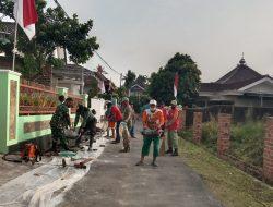 Babinsa Koramil 410-06/Kedaton Laksanakan Gotong Royong Bersama Perangkat Kelurahan