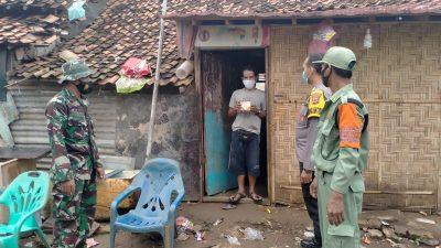 Koramil 04/TKT Turut Dampingi Pendistribusian Bantuan Pemerintah Obat-obatan Kepada Warga Yang Isoman