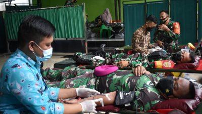 Dalam Rangka HUT Ke-76 TNI 2021, Korem 043/Gatam Menggelar Baksos Donor Darah